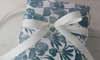 Matte Palms Wrapping Paper with 19mm Matte Ribbon
