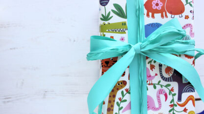 Frank Wrapping Paper with Matte Ribbon and Raffia