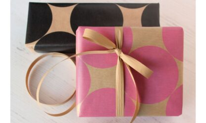 Ribbed Circles Wrapping Paper with Matte Ribbon
